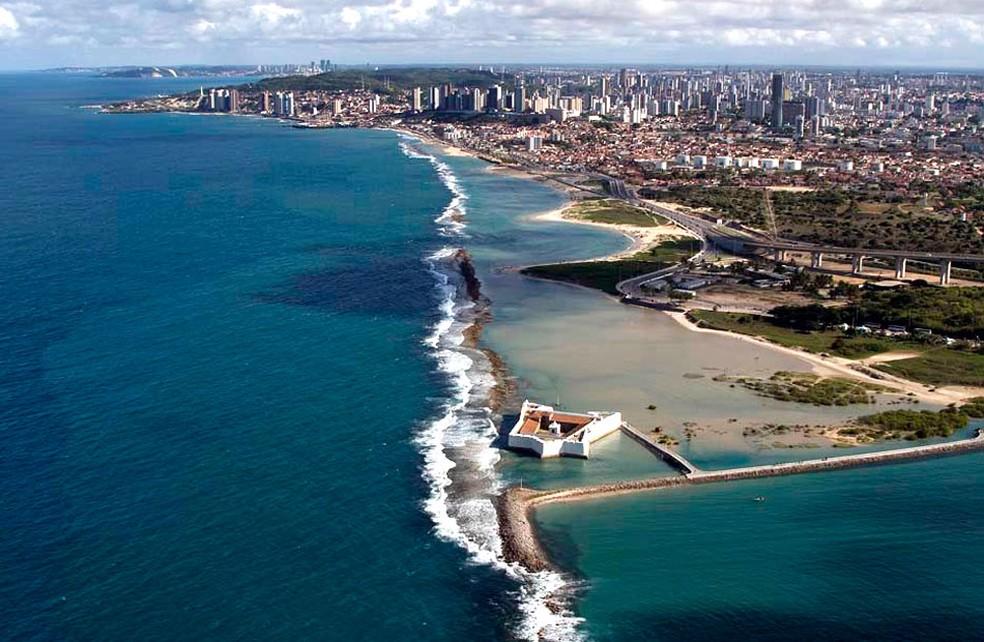 Vista aéra da Praia do Forte, próxima ao Forte do Reis Magos, onde o caso aconteceu (Foto: Canindé Soares/G1)