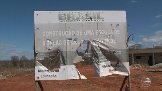 Obra de escola que custou mais de R$ 1 milhão está abandonada há mais de 2 anos na Bahia