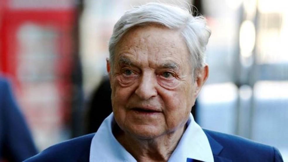 """Magnata húngaro-americano George Soros é o maior símbolo do """"globalismo"""" de quem se diz """"antiglobalista"""" — Foto: LUKE MACGREGOR/REUTERS"""