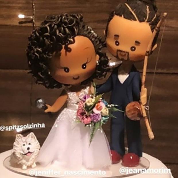 Detaljhe do bolo de casamento de Jeniffer Nascimento e Jean Amorim (Foto: Reprodução/Instagram)