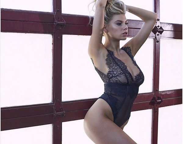 A atriz e modelo Charlotte McKinney (Foto: Instagram)
