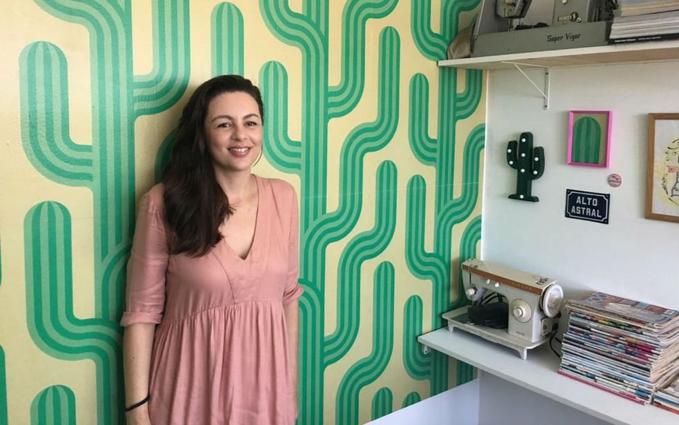 Sara Costa é a criadora do ateliê (Foto: Itana Alencar/G1 BA)