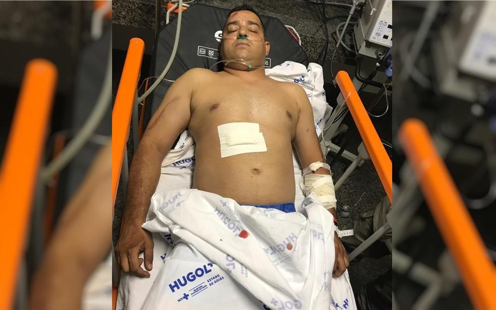 Troca de tiros deixou policial militar baleado, em Goiânia — Foto: TV Anhanguera/Reprodução