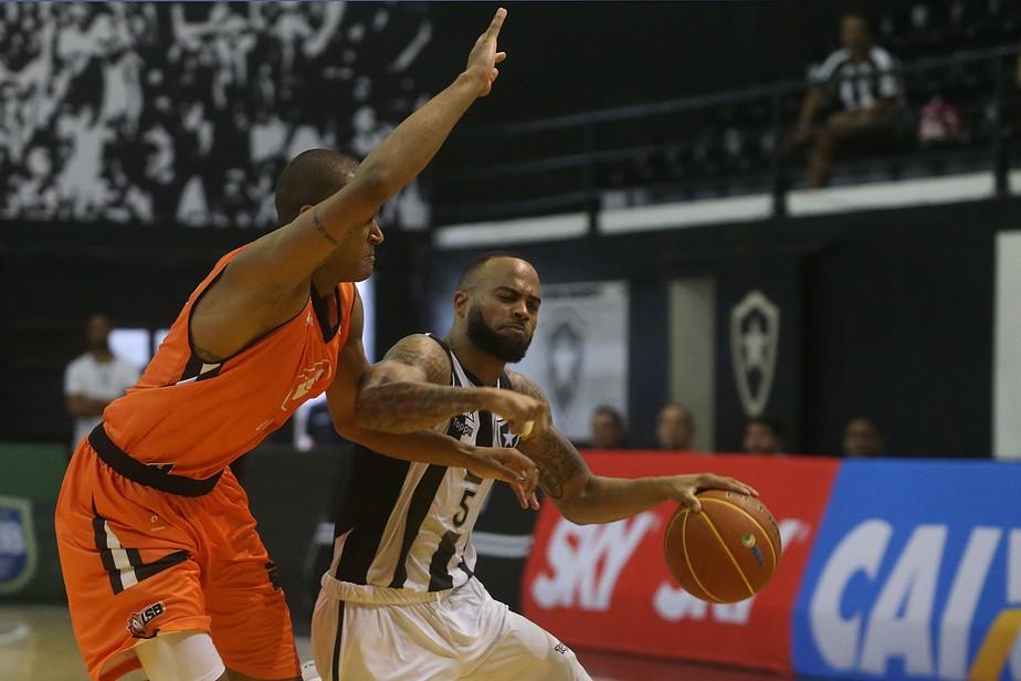64166dfb2f62b A vitória diante da Liga Sorocabana mudou o clima no Botafogo. Vindo de  seis derrotas na pré-temporada e de um revés na estreia do NBB, a equipe  bateu os ...