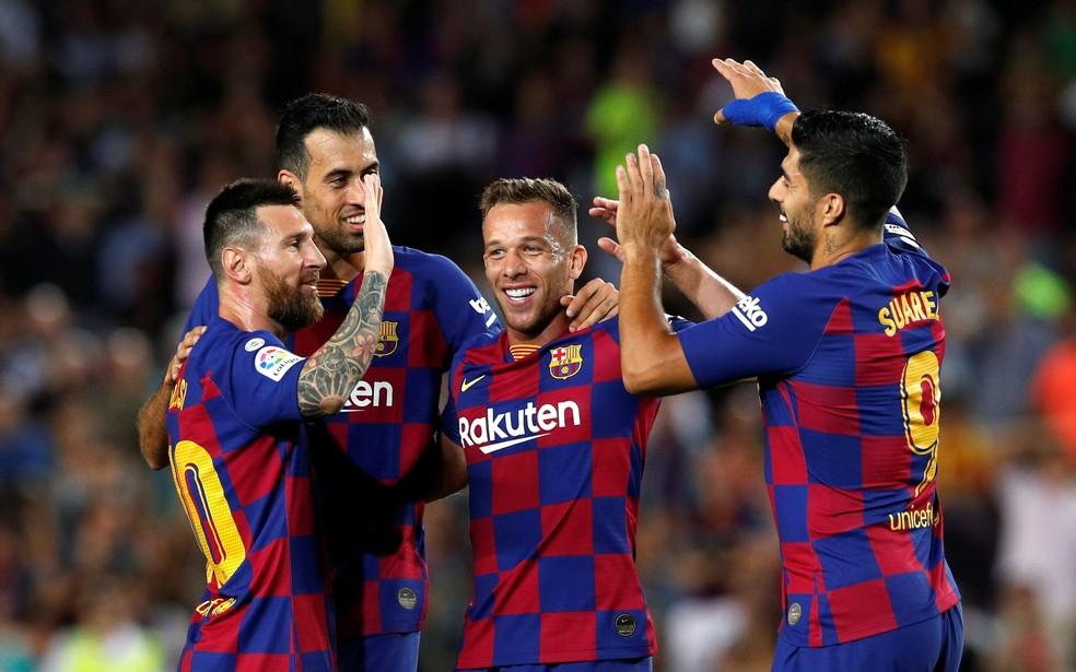 Messi Arthur Suárez Busquets Barcelona x Villarreal — Foto: Albert Gea/Reuters