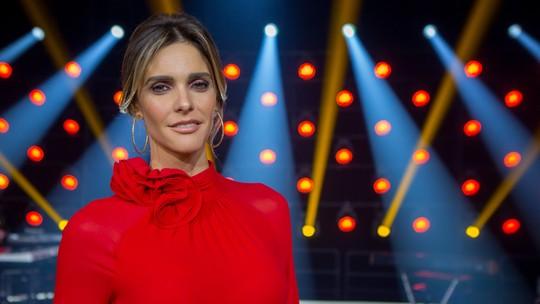 Fernanda Lima usa look vermelho e rosa no 'PopStar' deste domingo, 13/8