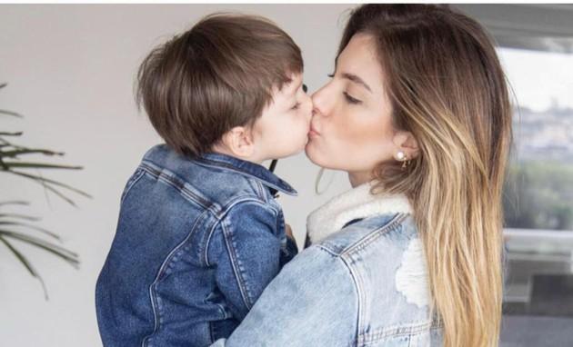Suposta filha de Maria da Paz em novela, Bruna Hamú fala da rotina como mãe (Arquivo pessoal)
