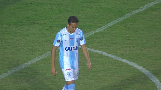 Keirrison comemora volta ao Londrina após contusão e busca sequência de jogos