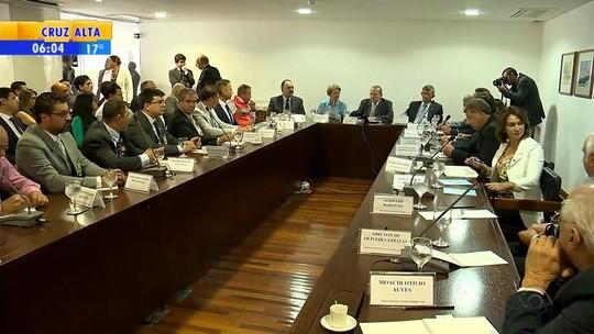 Padilha promete negociar espaço no orçamento após reunião com prefeitos do RS por ajuda contra seca