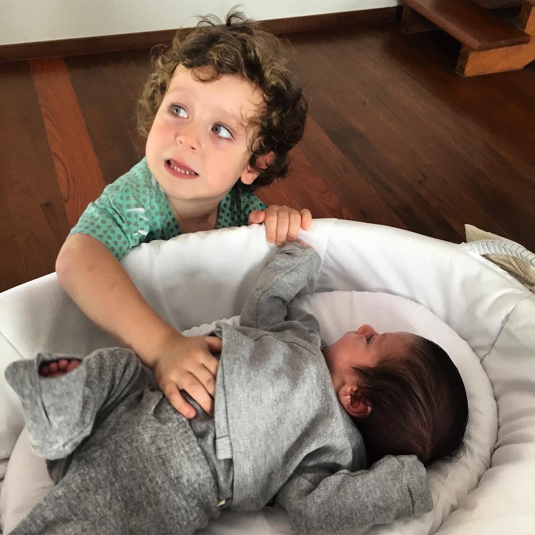 """""""Meus curumins"""", postou Alexandre Nero, no Dia das Crianças (Foto: Reprodução/Instagram)"""
