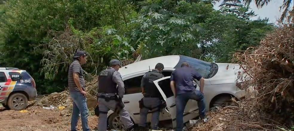 Carro foi encontrado em Várzea Grande. — Foto: TVCA