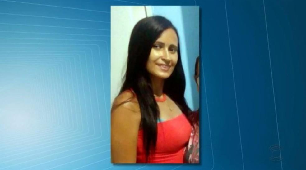Luciana Buriti Ferro foi morta com mais de 50 facadas; ex-companheiro confessou o crime — Foto: TV Paraíba/Reprodução