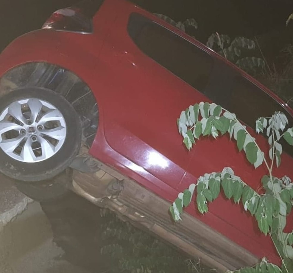 Acidente ocorreu na noite dessa quarta-feira (22) próximo à 3ª ponte na Via Verde — Foto: Arquivo/Corpo de Bombeiros