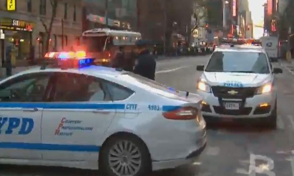Polícia de Nova York foi acionada após relatos de explosão em Manhattan (Foto: NBC)