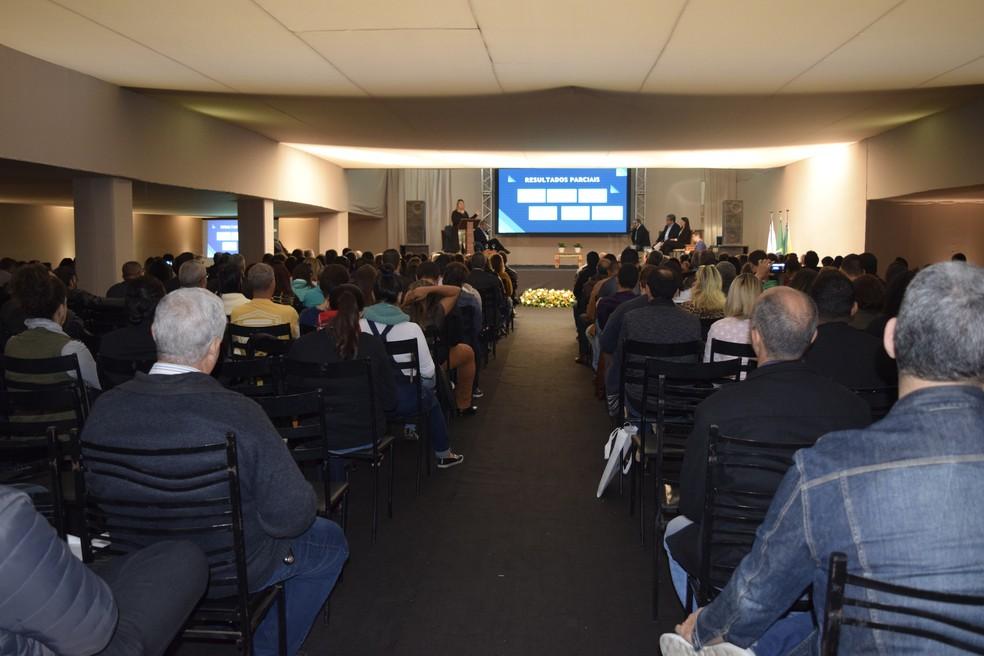 Mais de 700 gestores públicos e empresários do trade turístico de todo o Brasil se reuniram em Capitólio (MG) para discutir governança do turismo — Foto: Divulgação