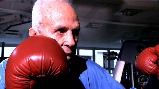 Pugilistas e atletas de outros esportes fazem homenagens a Muhammad Ali