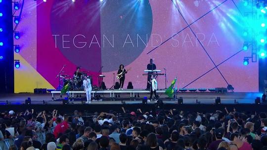 Tegan and Sara homenageiam George Michael em estreia 'nervosa' no Brasil