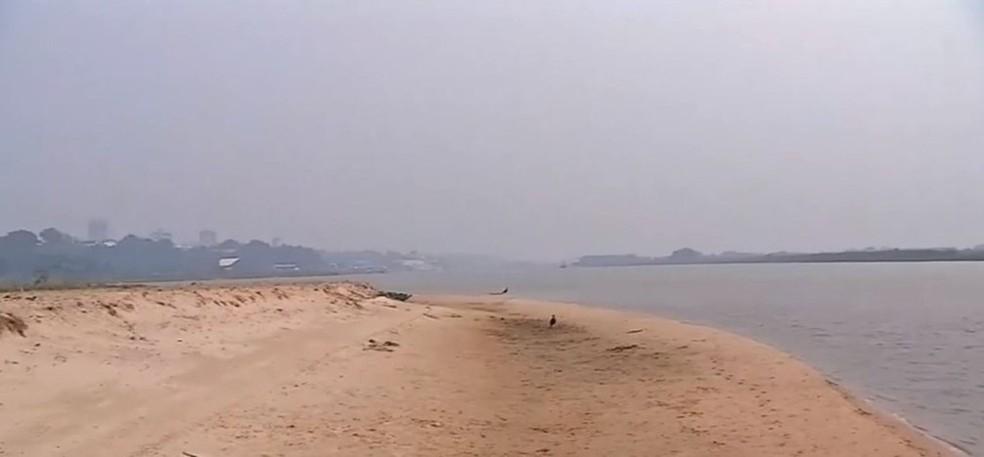 Com a estiagem de 2020, o nível do rio Paraguai, no Pantanal caiu e vários bancos de areia apareceram no leito. — Foto: TV Morena/Reprodução