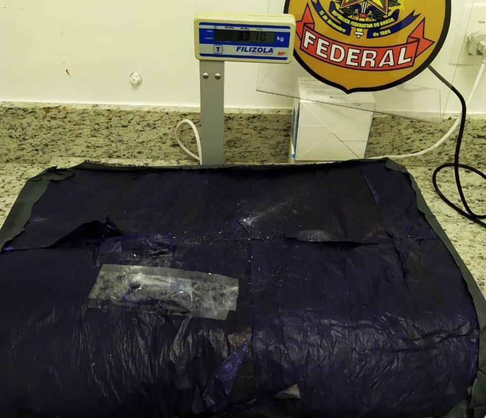 Casal com destino a Portugal é preso com cocaína em mala no aeroporto de Salvador — Foto: Divulgação/Polícia Federal