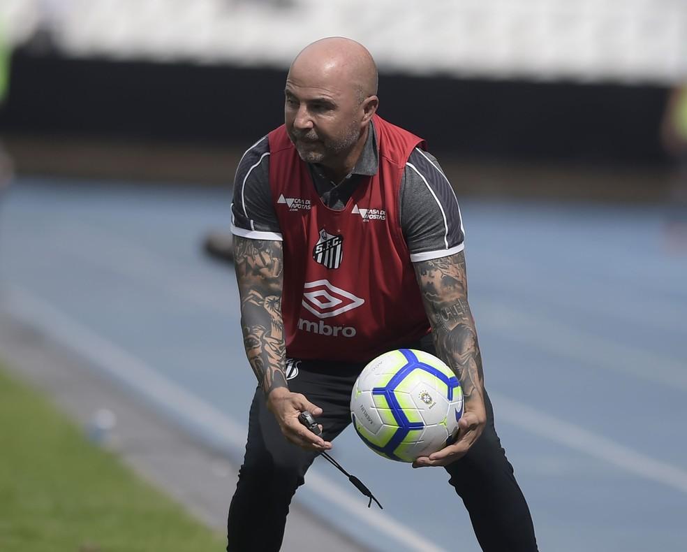 Jorge Sampaoli durante a vitória do Santos sobre o Botafogo — Foto: André Durão