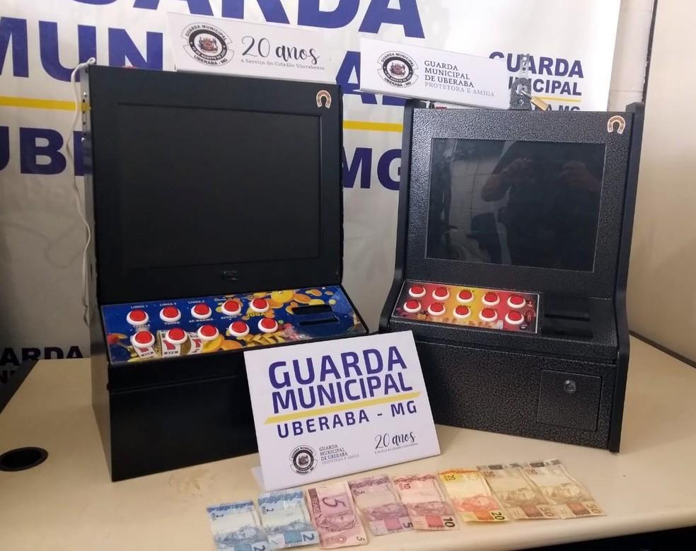 Máquinas caça-níqueis Uberaba apreendidas pela Guarda Municipal — Foto: Guarda Municipal/Divulgação