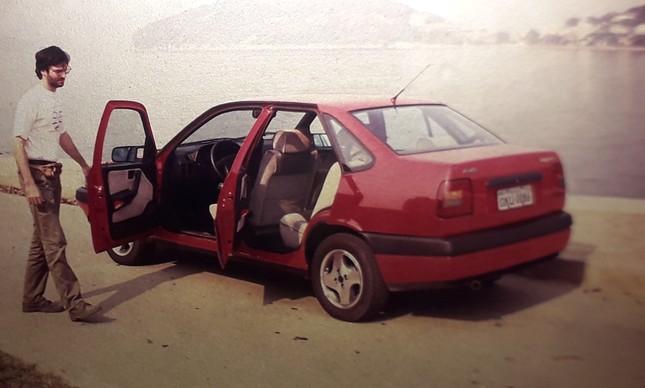 Henrique Koifman e o Fiat Tempra 16v 1993 na revista ELE ELA