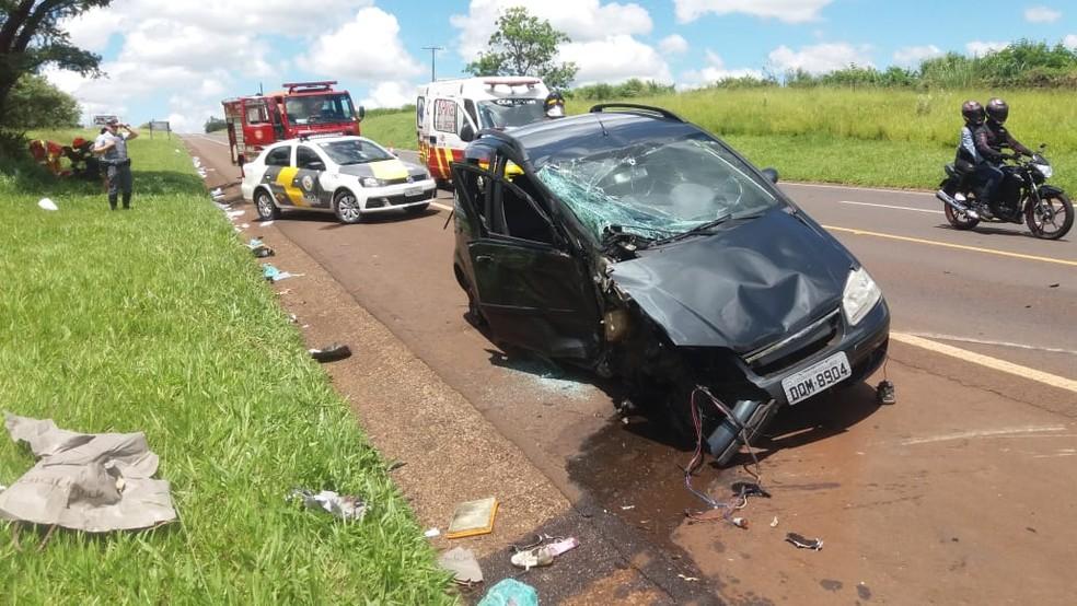 Acidente em rodovia de Avaré deixa feridos neste domingo (27) — Foto: Divulgação/Corpo de Bombeiros