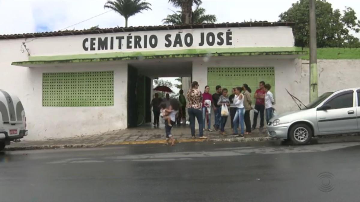Cemitérios de Campina Grande recebem manutenção para Dia de Finados