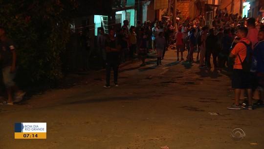 Tiroteio em frente a escola deixa dois mortos e ao menos três feridos em Porto Alegre