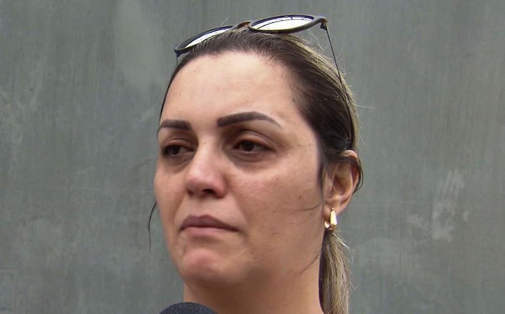 A mãe de Andressa lamentou o ocorrido e pediu justiça (Foto: Reprodução/TV Tribuna)