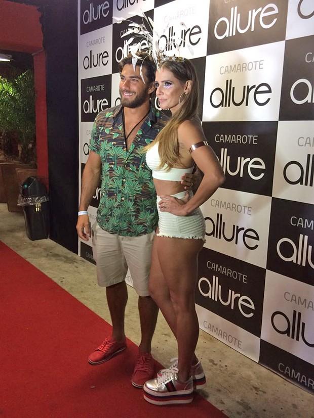 Deborah Secco com o marido, Hugo moura (Foto: Ed.Globo)