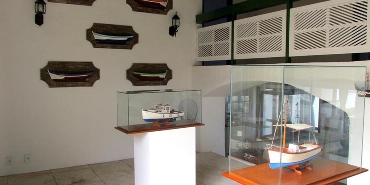 Exposição reúne miniaturas de navios que fazem parte da história de Cabo Frio, no RJ