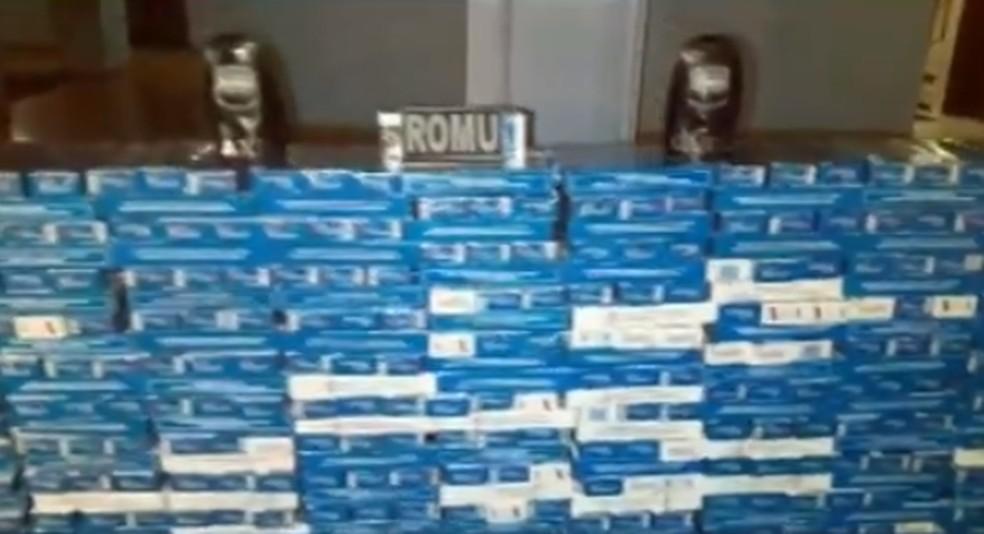 Guarda Municipal apreende mais de 1.300 caixas de cigarro em Ponta Grossa — Foto: Reprodução RPC