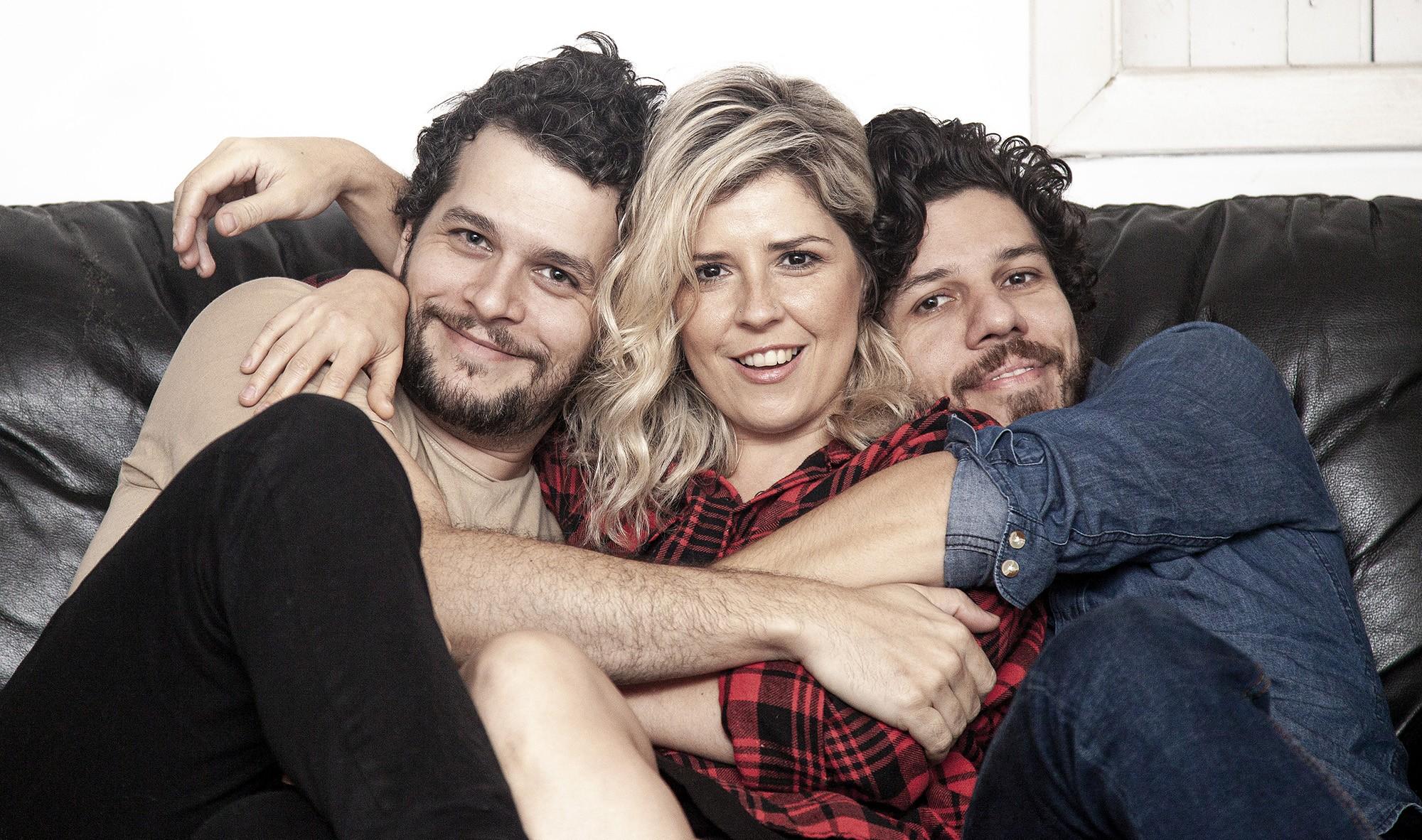 Vanguart conta história de amor em single com música inédita de Helio Flanders
