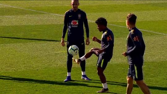 Jovens de Botafogo e Vasco celebram chance de treinar ao lado de astros da Seleção
