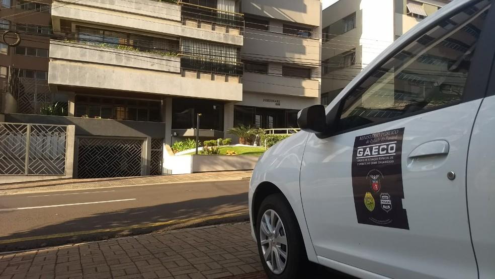 Gaeco cumpre mandado de prisão contra Luis Abi Antoun, em Londrina (Foto: Alberto D'Angele/RPC)