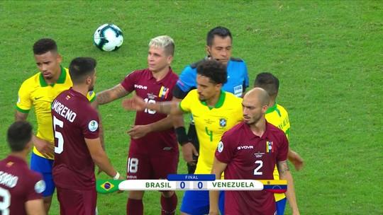 """Após empate com a Venezuela, Falha de Cobertura desabafa: """"É torturante ver esse Brasil pensar"""""""