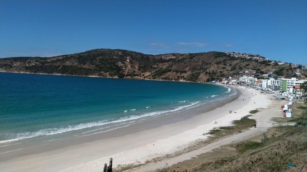 Decreto proíbe aglomeração nas praias de Arraial do Cabo, no RJ — Foto: Paulo Henrique Cardoso/G1