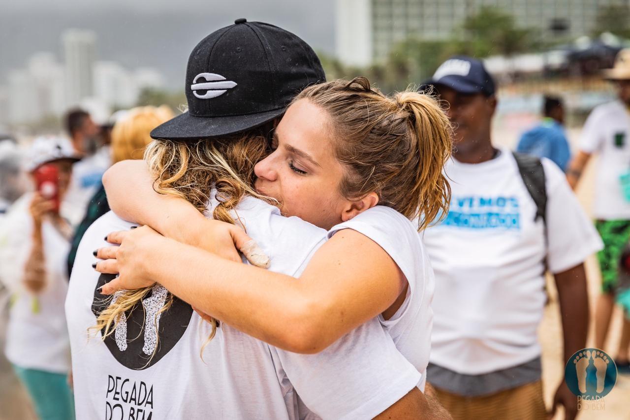 Isabella Santoni e Caio Vaz são os criadores do projeto Pegada do Bem (Foto: Divulgação)