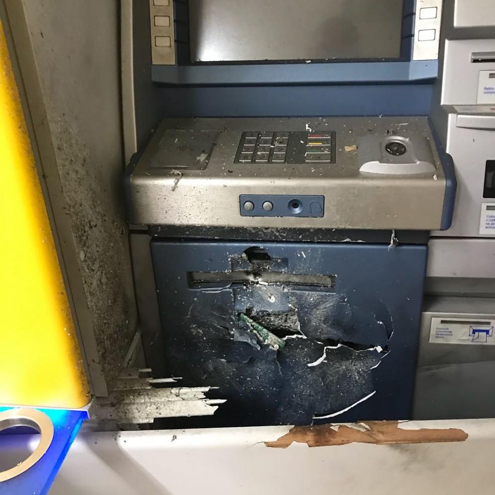 Ladrões tentaram levar dinheiro de bancos em Nova Mutum (Foto: Polícia Militar de Mato Grosso)