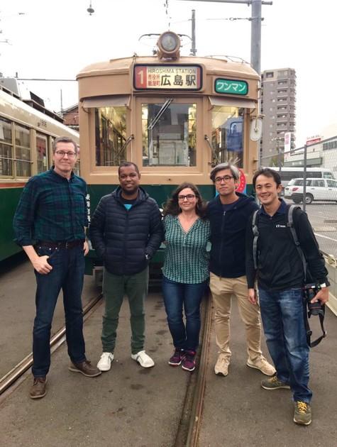 Márcio Gomes grava o 'Globo repórter' no Japão (Foto: Divulgação)