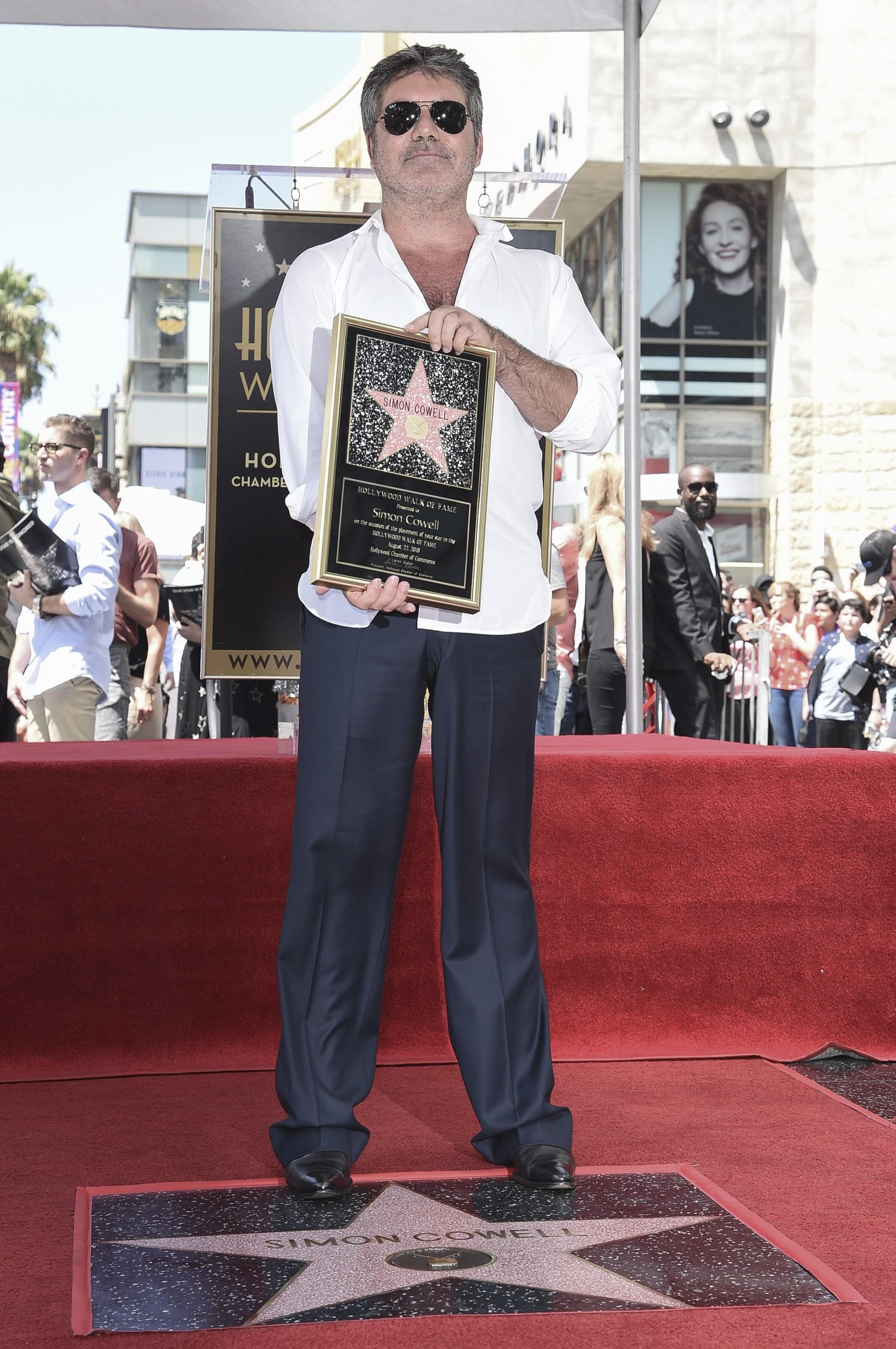 Simon Cowell, produtor e jurado do 'American Idol' e 'The X Factor', ganha estrela na Calçada da Fama de Hollywood 2