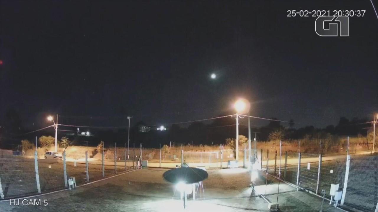 Queda de meteoro fireball é registrada por observatório no RS