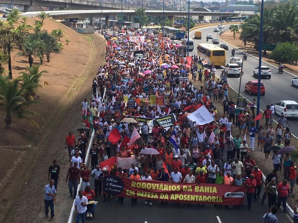 Manifestantes de Salvador são contra a reforma da previdência — Foto: Phael Fernandes/G1