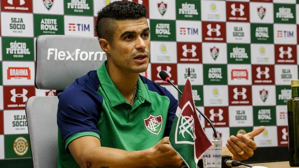 Egídio, lateral-esquerdo do Fluminense — Foto: Lucas Merçon