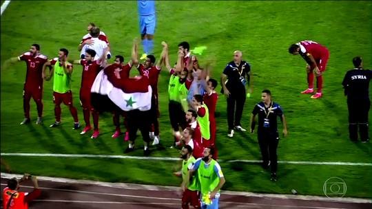 Viagens, boicotes, gols no fim e festa: a saga da Síria rumo à repescagem da Copa