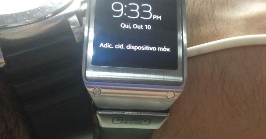 17bd19c5f56 Testamos o Galaxy Gear  conheça a sensação de usar o relógio da Samsung