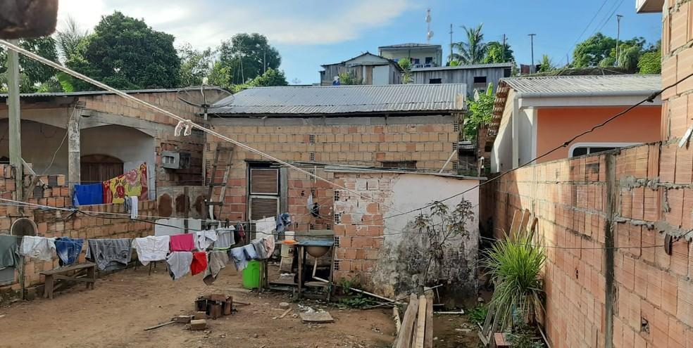 Corpo da adolescente foi encontrado na casa do namorado dela, em Manacapuru — Foto: Adauto Silva/Grupo Rede Amazônica