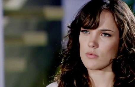 Na segunda-feira (14), Patrícia (Adriana Birolli) revelará para Antenor (Caio Castro) que está grávida Reprodução