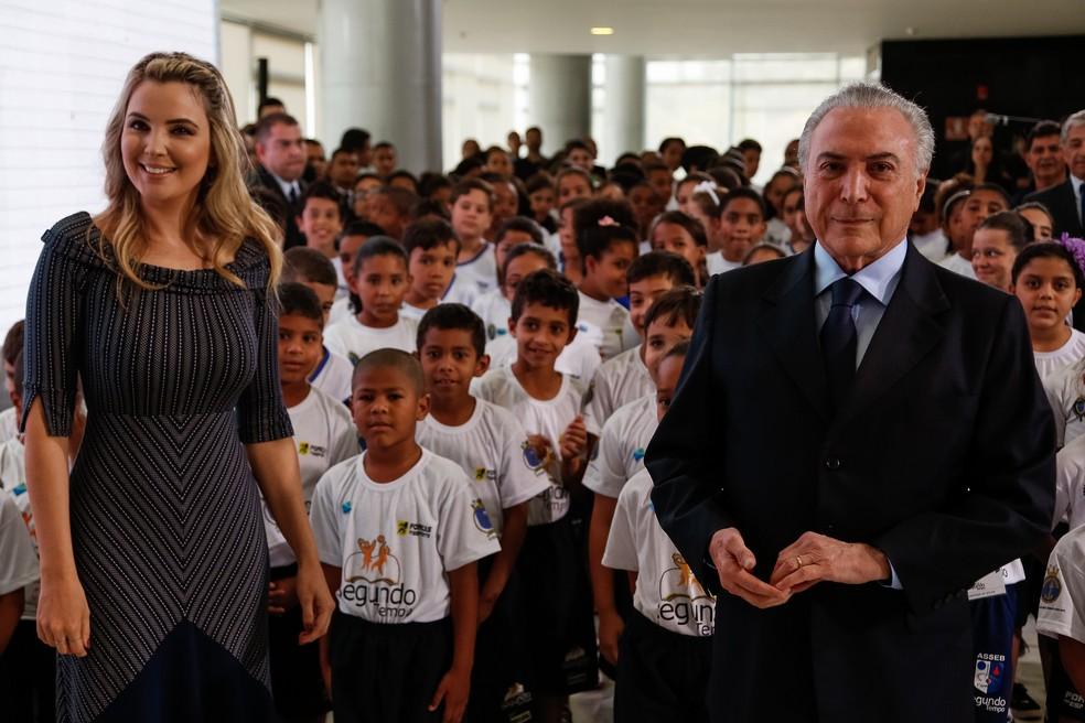 Marcela Temer e Michel Temer durante cerimônia de Lançamento do Programa Nacional de Voluntariado em Brasília (Foto: Marcos Corrêa/Presidência da República)